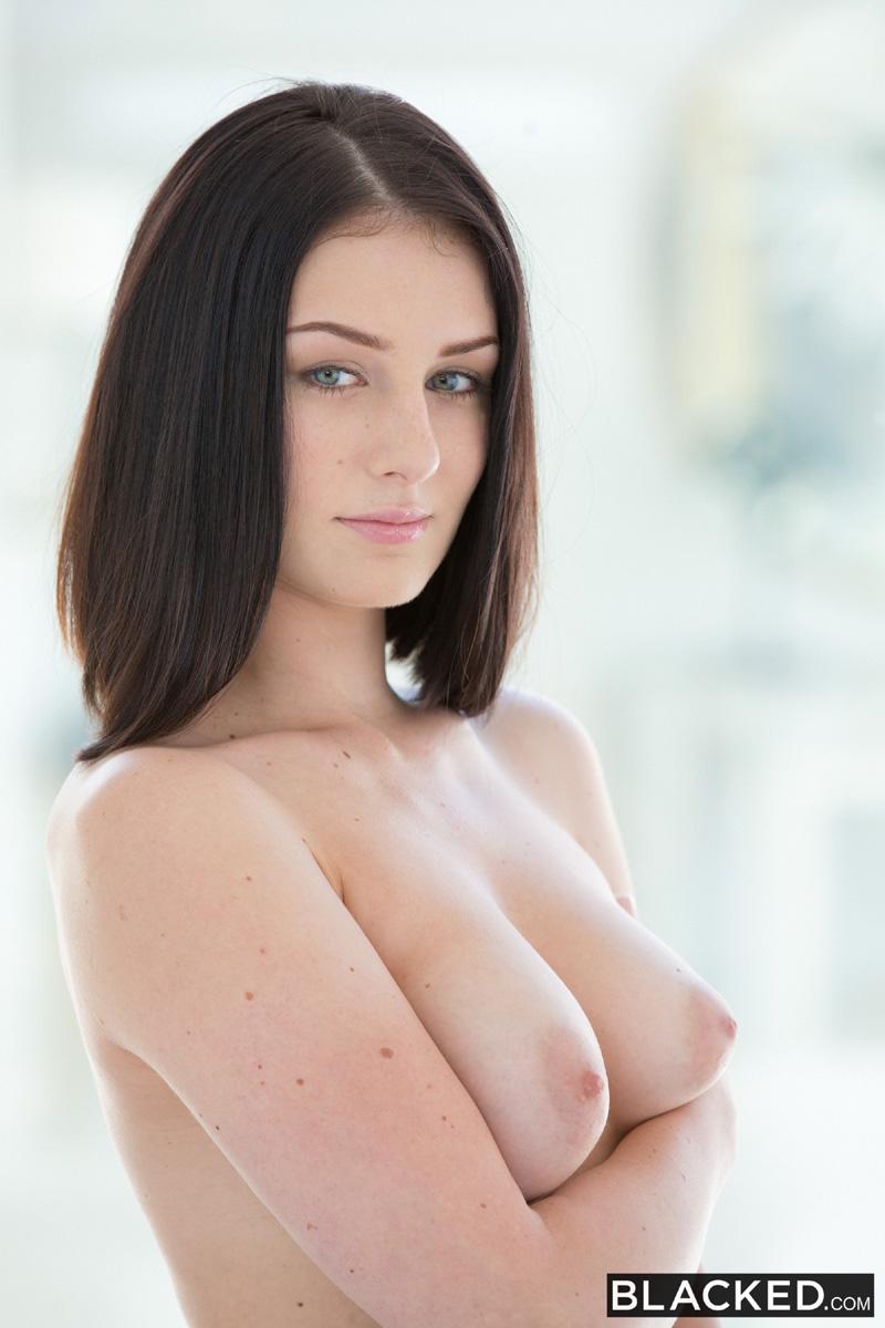 Free pretty nude woman