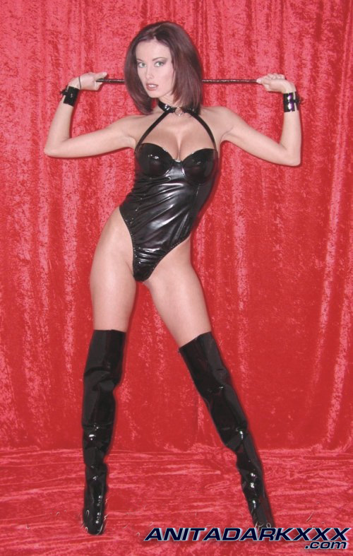 Anita Dark Latex Pics 114
