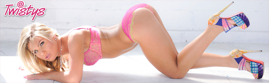 Watch The World's Most Beautiful Nude Girls and Sexy Models in High Quality Pictures and HD Porn Videos!