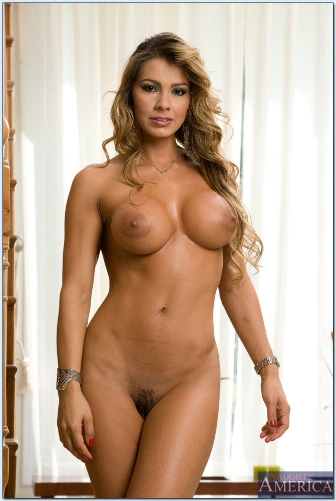 adele laurie blue naked