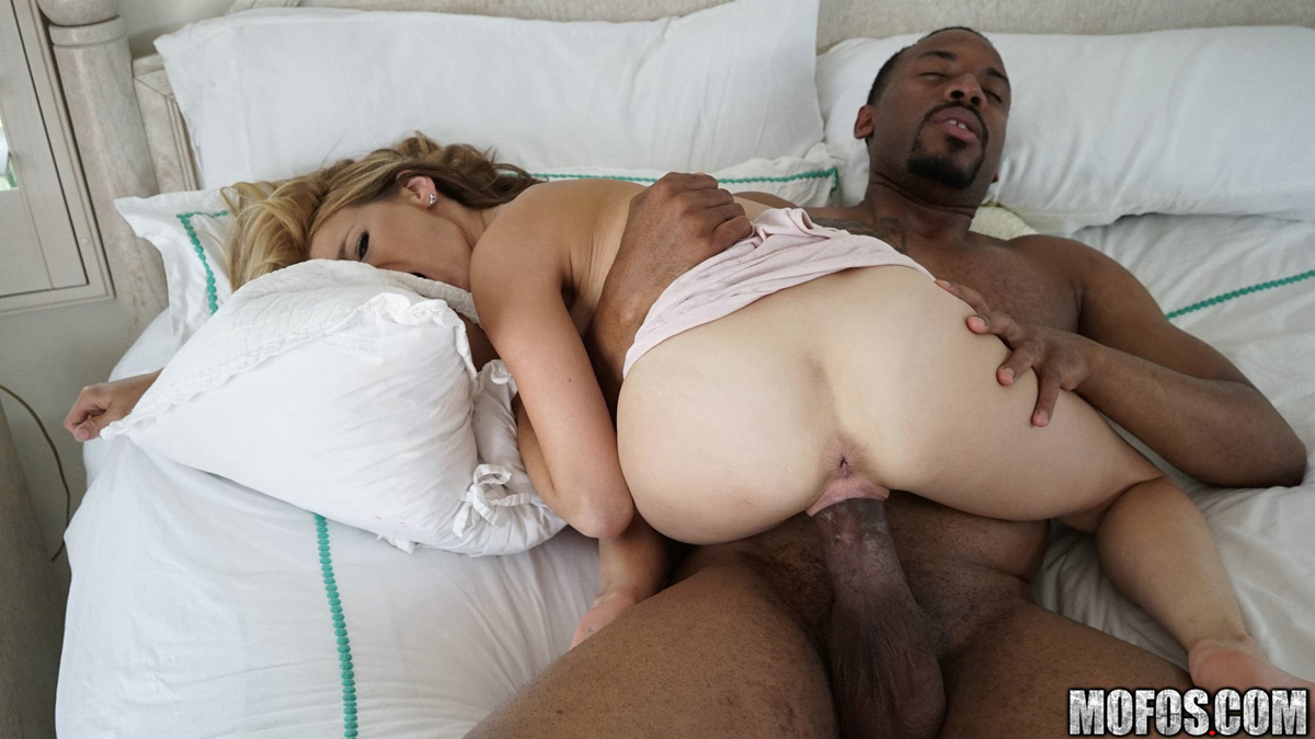she works to get his dick hard so he can fuck her