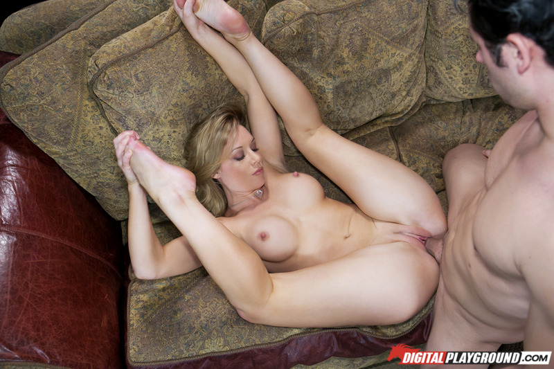 It invites milf is aware of the young man of lust 1