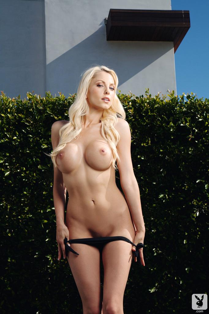 Free skimpy bikini pic