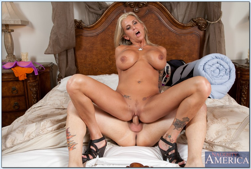 Farrah Seduces Her Sons Friend In The Guest Room-7923