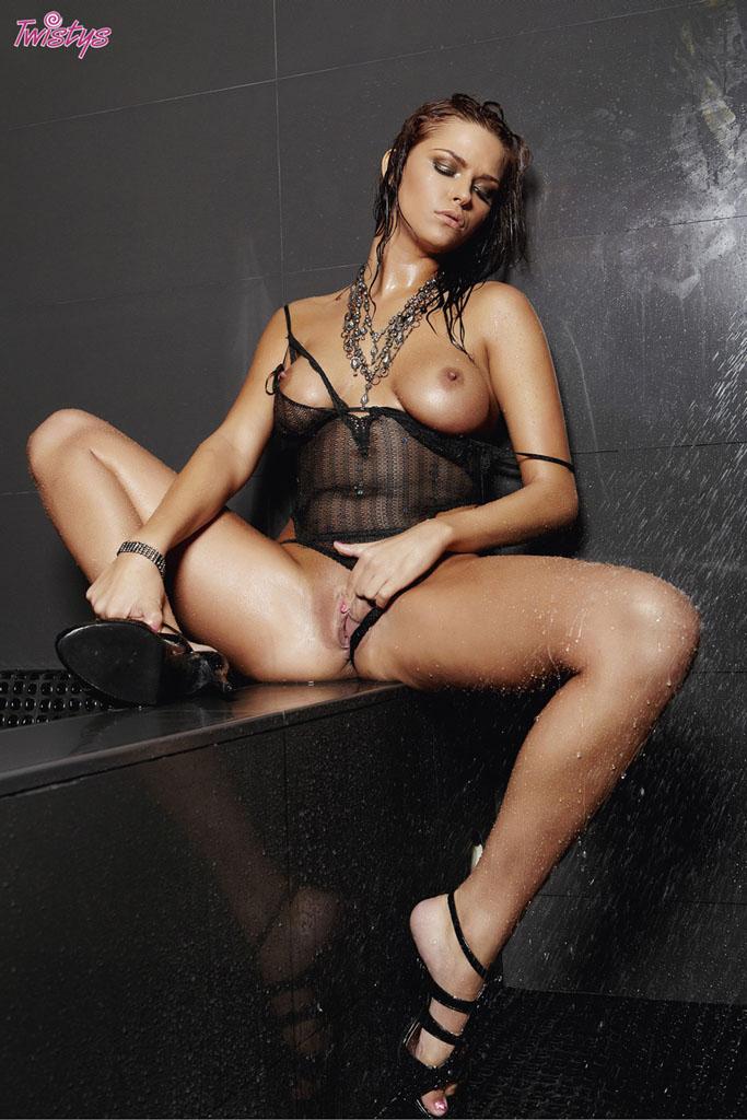 http://www.porn-star.com/pics/meggan_mallone/10.jpg