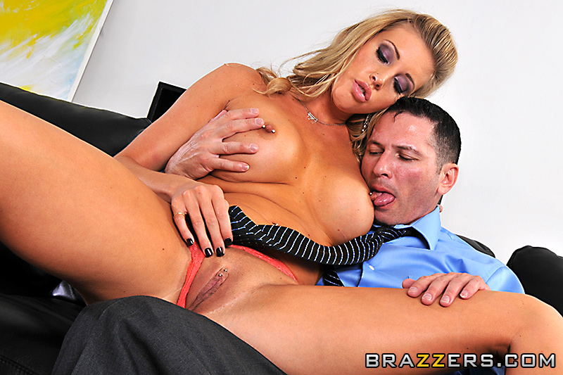 Showing For Brazzers Samantha Saint Teamskeet 1