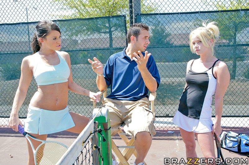 Playing tennis with Savannah Stern
