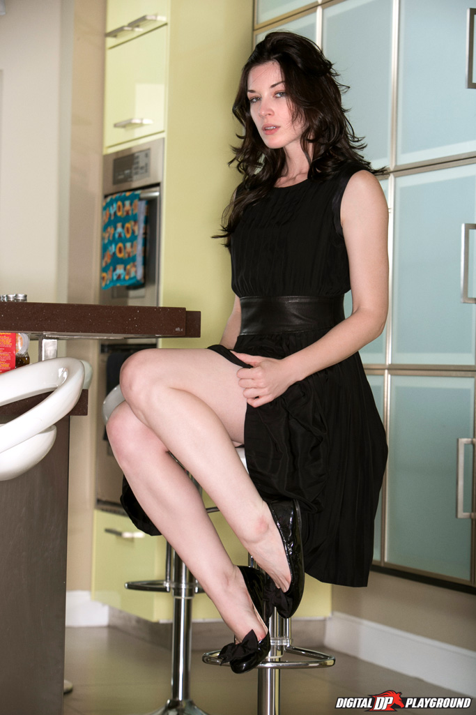 Image URL: http://www.porn-star.com/stoya_watch/01.jpg  Click to view this fusker