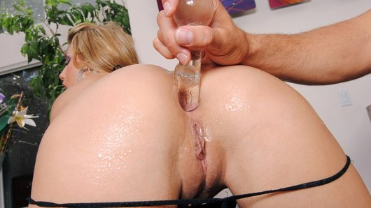 Where's the fun in having a perfect bubble butt if you keep it all to yourself? Charisma Cappelli's juicy ass was aching for a good deep dicking, so she invited her favorite plaything Mick over to worship those bouncy cheeks and stretch out her tight hole.