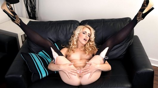 Watch the free video preview of Black Couch Rub Down starring Sammie Cee!