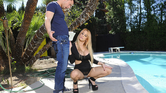 Alyssa Lynn needs her pool cleaned for the right price. Seth, the pool guy, believes cleaning her pool is going to carry a hefty price tag because it hasn't been serviced in years. Alyssa thinks that they can work out a side deal that doesn't involve money but her lips wrapped tightly around Seth's cock.