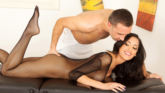 Chloe Amour in Massaging the Masseuse