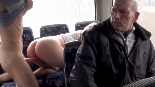 Dude was quick whipping out his camera to catch a horny-ass couple putting on a freaky sex show in the public bus. He filmed that amateur slut Lindsey Olsen peeling her pants off and letting her guy pound her pussy and even throw his dick deep in her tight asshole.