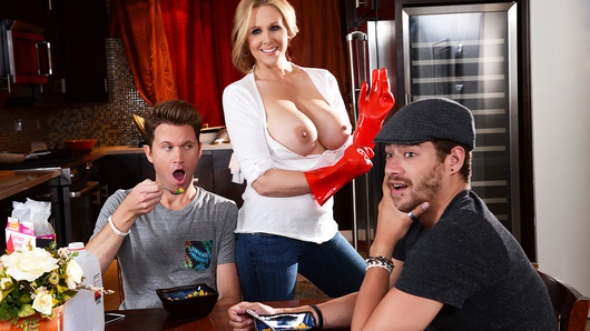 Julia Ann in Happy Milfs Day