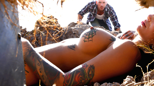 Bonnie Rotten in The Gaped Crusader