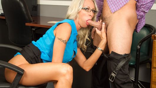 Emma Starr in Naughty Office