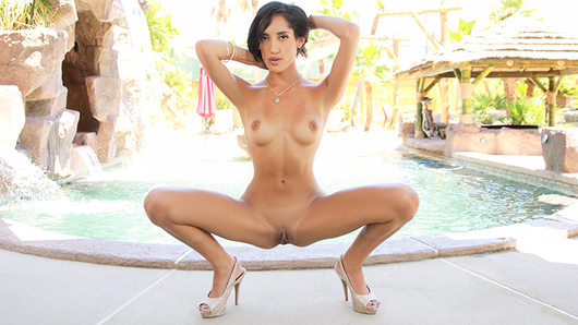 Chloe Amour in Dive Right In