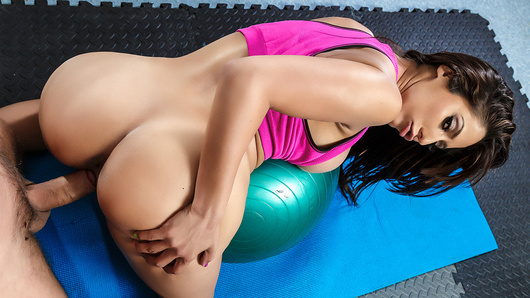 Reena Sky in Sex-ercise at Physiotherapy
