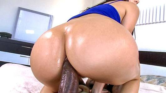 Check out super fucking sexy Italian vixen Valentina Nappi who, if you didn't already know, loves anal, and anal loves her back. Our boy Rico Strong showed her a good workout session, and he gave her a good asspounding. Enjoy!