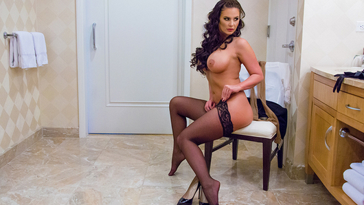 Phoenix Marie in Tonight's Girlfriend