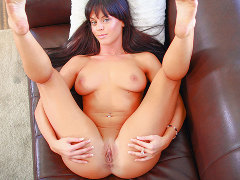 Watch a real casting video preview starring Rahyndee, courtesy of Casting Couch X!