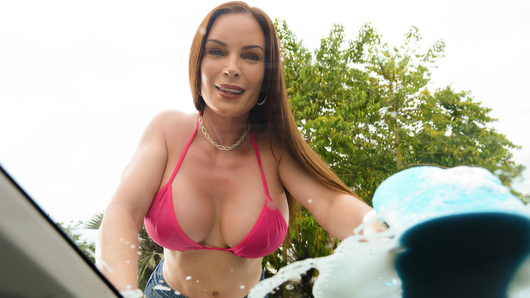 Diamond Foxxx in Mamas Car Wash