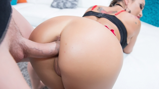 If you love gonzo movies and you love analporn, you are going to love this new scene of the amazing MILF Claudia Valentine. She tease you and talks dirty until she gets what she wants... a big fat cock in her mouth and asshole. Watch Claudia take a 9 inch cock up her butt and scream of pleasure. She's going to ride your cock like a good whore that she is, and you are going to bust a fat load all over her face!