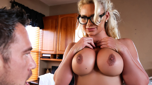 Phoenix Marie in Doctor Knows Best