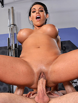 Bella Reese getting pumped by her trainer in the gym