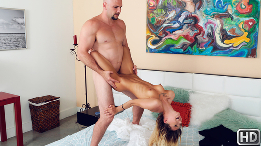 Kenzie Reeves in Showing Kenzie A Good Time