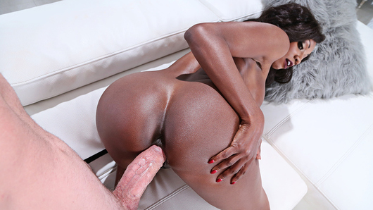 Diamond Jackson in Seduced By A Cougar