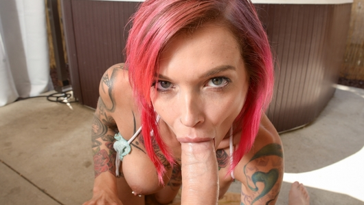 Anna Bell Peaks in Anna Bell Loves The Jacuzzi