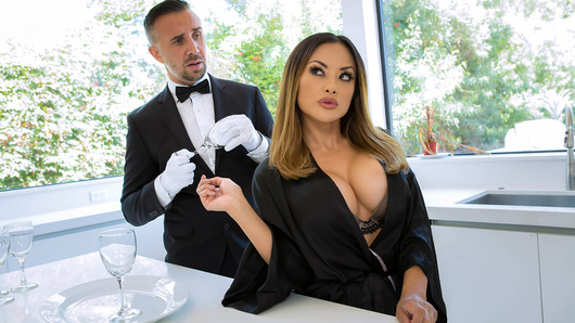 Kaylani Lei in Whos Your Butler