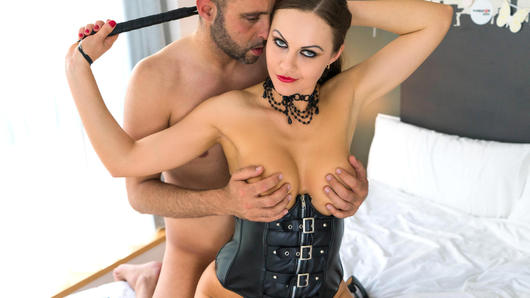 Beautiful British babe Tina Kay and Pablo Ferrari teach you all about the best ways to approach and try out roleplay. They'll try out different scenarios and show you just how much fun these scenarios can bring. (Video duration: 30 minutes)