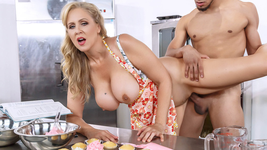 Julia Ann in Glazed And Cumfused