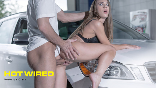 Veronica Clark in Hot Wired