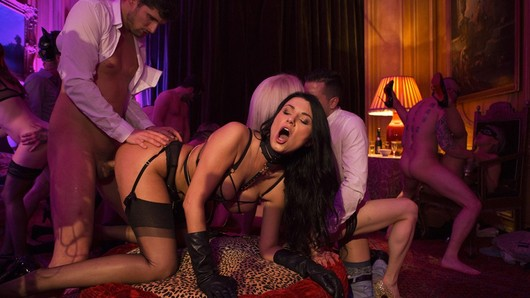 Let's discover Parisian nights with Ania Kinski and visit a luxurious swingers orgy with real amateurs! The gorgeous MILF and her guests go all the way in this hard and chic scene! (Video duration: 8 minutes)