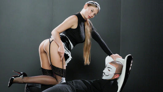 Stunning beauty Lucy Li gets her transformation into a seductive maid. She seduces masked Jack and goes down on him in front of the elite. This gorgeous babe then rides his cock passionately and gives a sensual, intense tugjob until Jack releases a massive load all over himself. (Video duration: 27 minutes)