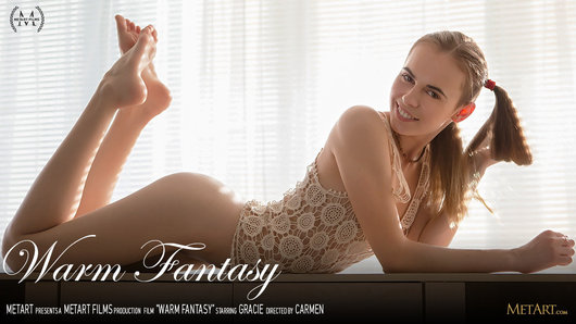 Gracie A in Warm Fantasy