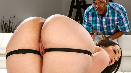 Alycia Starr in Big Booty Searching For Some BBC