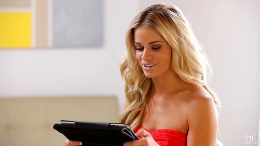 Jessa Rhodes in Ask Me Anything