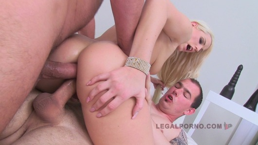 Blanche Bradburry 2 on 1 first double anal SZ457 (Video duration: 00:52:13)