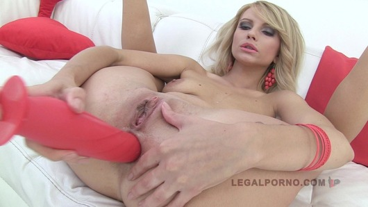 Karina Grand 3 on 1 Hot blonde anal SZ488 (Video duration: 00:49:03)