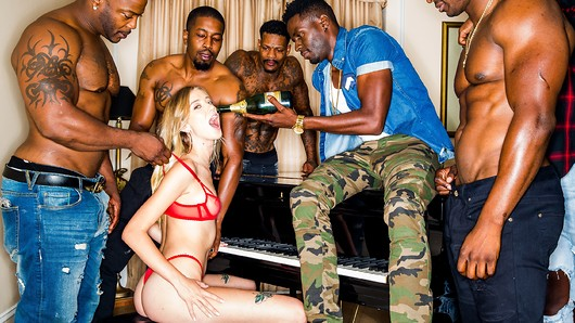 Haley Reed is off to an awesome party with a team of hot black guys. In the car, the tension is already insane and she's ready to get in some trouble. One thing she can guarantee is that she will be getting plenty of attention tonight.