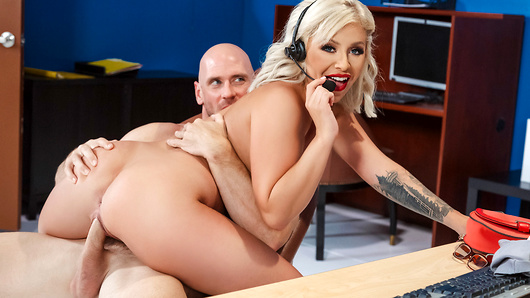 Madelyn Monroe in Call Centre Cock