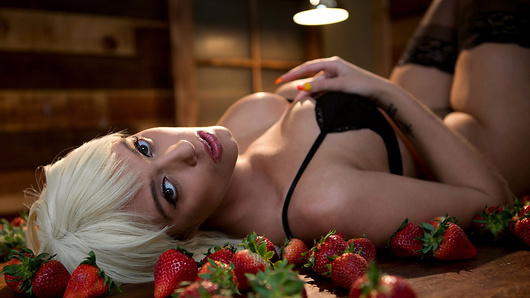 Who needs strawberries and cream when busty blonde babe Athena Palomino is the tastiest treat around! Dropping to her knees, she works her blowjob lips up and down a big dick like she's got a PhD in sucking dong! Keiran Lee is harder than a diamond but after titfucking those big tits, he bends her over, spreads that juicy ass wide and fills her pussy to the brim with huge cock. The harder he pounds her wet hole, Keiran inches closer to unloading all over Athena's pretty face, but it's a warm glaze she'll be dipping her berries in for an after-sex dessert. There's nothing like a little strawberry blonde to satisfy a sweet tooth! (Video duration: 32 min)