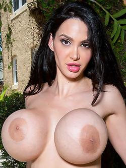Amy Anderssen in Bikini Sex