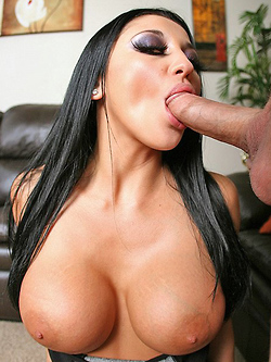 Audrey Bitoni chatting online to get some cock