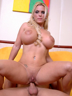 Holly Halston bigtit blonde bimbo gets her asshole pounded hard and deep