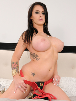 Jenna Presley gets her tight pussy stretched to the max